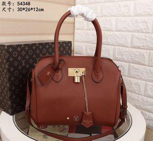 enfes bezeme parçaları Yüksek kapasiteli metal Kilit yakalamak perçin Eğik omuz çantası 022004 handbags