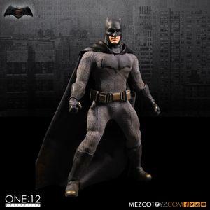 Mezco Dawn of Justice: Batman One: 12 jouets collectifs BJD de haute qualité pour figurines