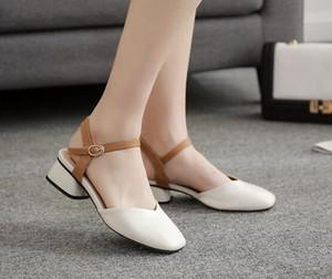Hot Sale-New Summer Sandals Designer Sandale plate Sandales plates Chaussures Femmes Pantoufles haute qualité Sneakers Trainer Femme Bottes Mocassins