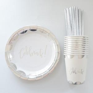 65pcs / set Silberfolie Einweggeschirr Weihnachten New Year Party Pappteller Cups Birthday Party Supplies Kunststoff Strohhalme