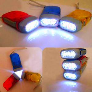 3 LED Main En appuyant sur la lampe de poche Dynamo Manivelle Puissance lampe de poche Camping Aventure Sports de plein air Escalade Outils Équipement Lampe de poche BH1943 ZX