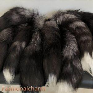 10pcs / muito- 100% genuíno real cauda Natural Silver Fox Fur Keychain Cosplay Toy Chaveiro Car telefone borlas