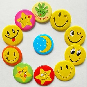 Mini Metal Smiley Smile Face Button Pins Smiley Badge Smiley Badge Cartoon Brooch Child Badge Size Wholesale 3.0cm 4.5cm