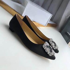 Women's dress shoes leather diamond women's Bow Shoes letter Classic women's sheepskin flat shoes large 42