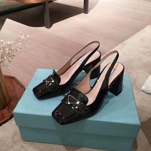 Designer Casual sexy bout carré de cuir verni de la mode mocassins couverte robe de mariée talon pompes marque sandales neuf avec la boîte