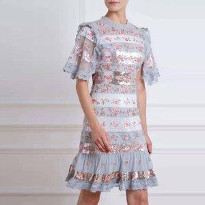 Vestido delgado soluble en agua del cordón de costura de malla bordado flores de manga corta de las lentejuelas del partido de Boho del verano nuevas mujeres de Primavera