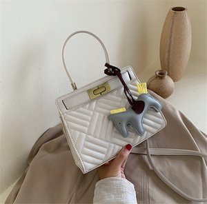 New 2020 Handbag Kitten Bag Stylish Embroidered Rhomb Shoulder Bag 5colors PH-CFY2006014