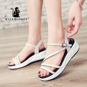 MALEMONKEY 1415 Lady Sandalen PU-Leder-Schuhe 2020 Frauen Peep Toe-Sandelholz-Plattform Flache Sohle Damen Freizeit-weiche Frauen