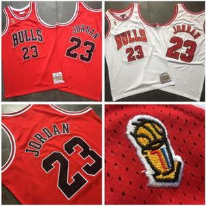 Herren-Basketball ChicagoBulls23 MichaelJD Mitchell Ness 1996-1997 Endsieg rot und weiß Swingman Jersey