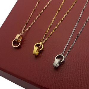 2019 la manera de lujo nueva marca para las mujeres collar de titanio doble pequeña amante anillo encanto collar de oro al por mayor collar de pareja