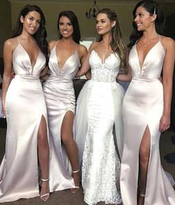 Sexy Spaghetti sereia baratos longos vestidos da dama 2020 Satin Ruched alta Dividir dama de honra Convidado de Casamento Vestido BM1683