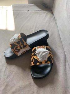 2019 Designer Sandalen Damen Sandalen Designer Dia Streifen Sandalen Männer Casual Sommer Pantoffeln Flipflophefterzufuhren 35-45