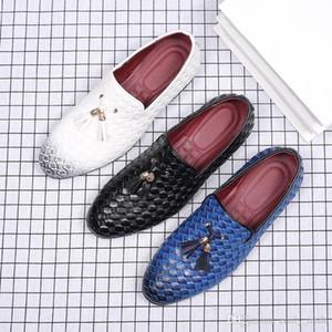 Moda Pointed Toe Sapatos de couro Homens de Patentes Loafers Shoes Oxford para homens Mariage Formal Wedding Shoes