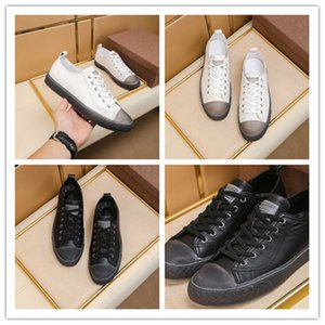 Men's classic casual shoes fabric uses the first layer of cowhide rubber outsole with high-density latex pads for comfortableand lightweigh2