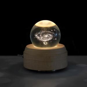 Moon Crystal Ball Деревянного Luminous Music Box Music Box Rotary Innovative День подарки Ручной механизм подарки