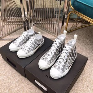 2020 HIGH-TOP SNEAKERS EN DIOR X Kaws Par KIM Jones avec la mode de conception classique Oblique Impression Logos Hommes Femmes Chaussures de basket-ball Chaussures de skate