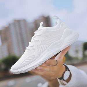 Magasin d'usine Poids léger Chaussures de course pour les hommes Tous Printemps Automne Blanc Anti Slip Confortable Homme Chaussures Sneakers de marche en plein air