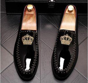 Los nuevos hombres de la llegada encantador brillo pisos bordado corona Zapatos de vestir caballero masculino boda del regreso al hogar de la tarde el novio de baile shoes.37-44