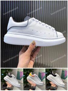 2020 Confort Hommes Femmes Chaussures sport en cuir suède blanc 3M réfléchissantes Chaussures plate-forme de mode confortable appartement