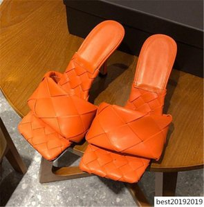 Calidad de cuero auténtico tejido de piel de oveja Mujeres mulas Zapatillas Sequare diseñador del dedo del pie Señora Diapositivas del partido de los altos talones