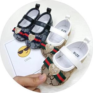 Baby Shoes di alta qualità inferiore molle antiscivolo scarpe di cuoio di sport per infantile ragazzi del bambino in pelle T-legato Scarpe unisex