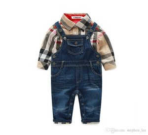 2019 Primavera Outono Bebés Meninos Gentleman roupa do estilo Define Criança Meninos Camisa Xadrez + Denim Pants Suspender 2pcs Definir terno infantil crianças Outfits