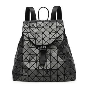Diamante Malha Geometria Package Matte Trefilação ambos os ombros Package Triângulo pedaço Mulher Backpack Luxo Bag Bolsas Exceed fogo