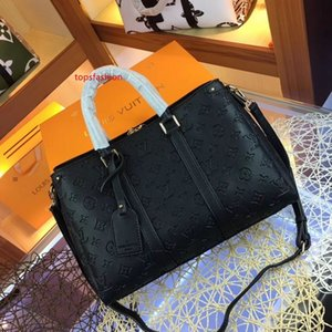 fashion single shoulder bag High quality messenger bag Popular in Europe and America s inclined designers chain package B013