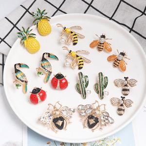 Monili carino donne belle richiesti Golden piccolo ape Pineapple Cactus dell'uccello orecchini a cristallo dell'insetto Stud dono degno di promenade del partito di accesso