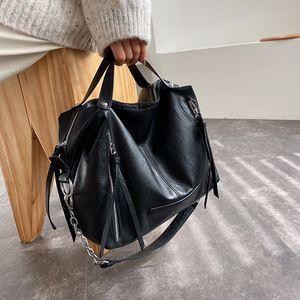 Women handbag Large Capacity Chain design ladies Shoulder bag Motorcycle bag pu leather female crossbody bags big totes