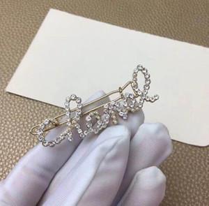 2019 новый европейский и американского подиум жемчуг стороны полных алмазов золотого английское письма шпилька темперамент клип мода верхняя клип