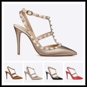 Diseñador del dedo del pie puntiagudo Studs tacones altos de charol Remaches Sandalias de las mujeres tachonadas zapatos de vestir con tiras zapatos de tacón alto de San Valentín 10 cm