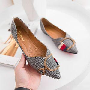 Women Loafers Travel Prom Flats Designer Women Sandals Slippers Shoe Luxury Metal Buckle Rhinestone Ballet Flats Big Size Q-10