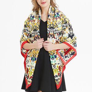Sciarpe di seta di lusso Donne Stampa Scialle Echarpe Fourlard Femme Sciarpe quadrate per le donne Hijab Bandane Bufandas Mujer 130 * 130 cm Marque de Luxe M
