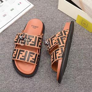 2020 Homens Mulheres Designerslippers praia do verão Shoes Brandslipper Flip Flops Luxo Mens Loafer Slides Mulheres Casual Slipper 2020515K