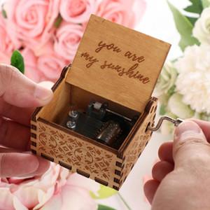 Ручной Резные деревянные Music Box Гравировка Ручной Рождество День рождения Свадьба Лучшие подарки Hand Crank Music Box Нет необходимости батареи