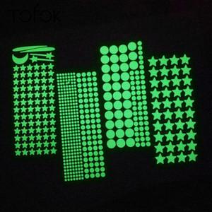 Tofok bricolaje luminosa estrella Dots dormitorio del sitio del bebé de los niños de la etiqueta resplandor fluorescente en combinación Noche de ensue la decoración del hogar gratuito