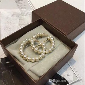 1:1 high-end crystal pearl letter brooch pin gold silver scarf clip ladies men's suit badge accessories charm jewelry A96