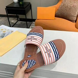 Women fashion sandals L lock With luxury flat Slippers and Genuine leather slides Summer Outdoor casual Flip Flops Large size 35-42