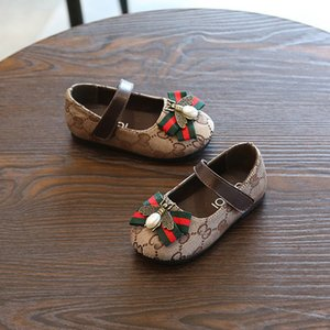Детский конструктор принцессы кожаные ботинки девушки люкс плоские туфли Дети Мода Печать Повседневный обуви пчелы украшения Детские ребенка кроссовки взрыв