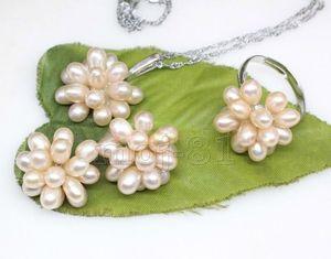 100% Vente image complète Jolie Naturel Riz Rose Riz Perle D'eau Douce Grappe Boucles D'oreilles Collier Bague Ensemble