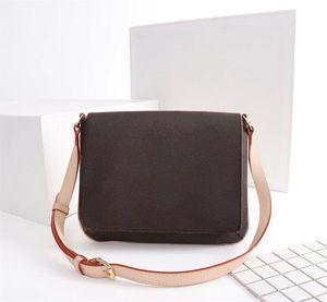 فاخر مصمم حقائب اليد المحافظ العمر الأوسط CROSSBODY حقيبة المرأة العلامة التجارية حمل زهرة ساعي البريد حزمة ريال جلدية الكتف