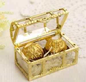 Shining Gold Candy Boxes Wedding Party Decors Hollowed-out Transparent Treasure Chest Shaped Wedding Favor Holders European Gift Box AL6311