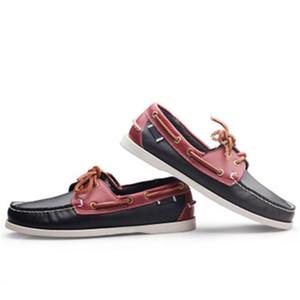 2020 en cuir véritable homme Souliers simple Tassel Chaussures bateau classique Mocassins Slip On Mocassins Gris Driving Shoes Angleterre