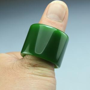 Kostenloser Versand Xinjiang Hetian Yubiyu bezieht sich auf den neuen grünen Ring mit Pit-Jade-Ring oder grünem Jade-Ring für Männer