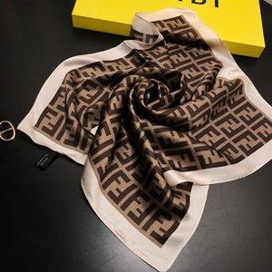 2020 nuevas mujeres de la bufanda bufandas de seda de la sensación del pelo de oficina marca cuadrada de los asistentes de vuelo Impresión camarero del hotel