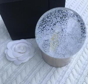 장식 2020 새로운 C 컬렉션 스노우 글로브 향수 병 돔 글로브 럭셔리 골드 하단 특별 선물 참신 선물 제한 VIP 고객