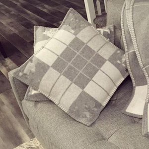Lettre de laine vierge H coussin de coussin carré 65x65 cm
