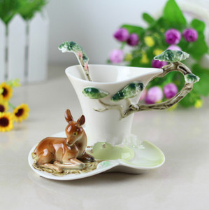 Deer Coffee Cups With Saucer Tea Milk Cup Set with Spoon Creative Ceramic Drinkware European Style Bone Christmas Gifts