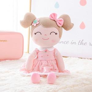 Gloveleya Poupées en peluche fille de printemps Baby Doll Cadeaux Fraise en tissu Poupées enfants Poupée de chiffon en peluche Jouets Kawaii CJ191212